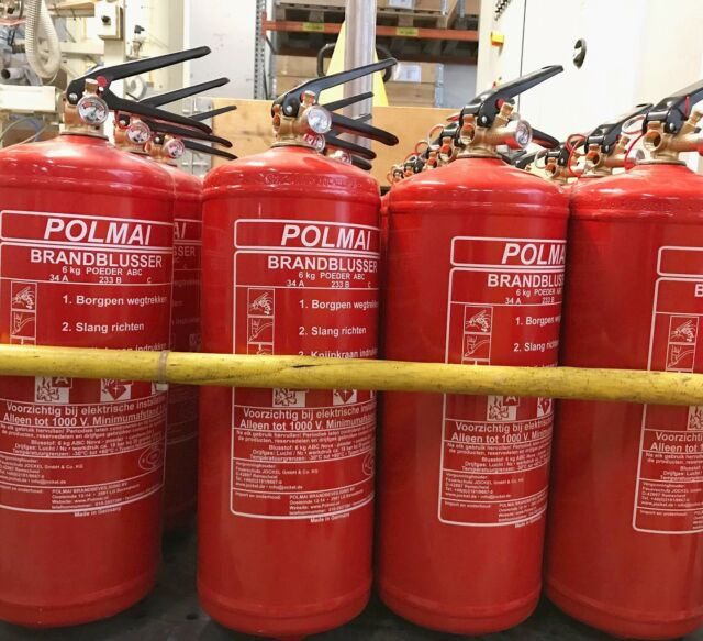 Polmai brandblussers - Made in Germany 🇩🇪  . . . . #polmai #firesafety #company #producer #fireextinguisher #germany #jockel #brandblusser #poederblusser #binnenvaart #inlandshipping #rotterdam #instagood